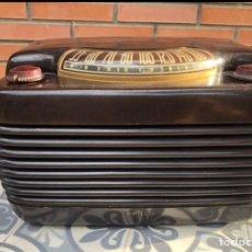 Radios antiguas: RADIO ANTIGUA PHILCO 48-460. MÁS PONIENDO USMO .. Lote 218311813