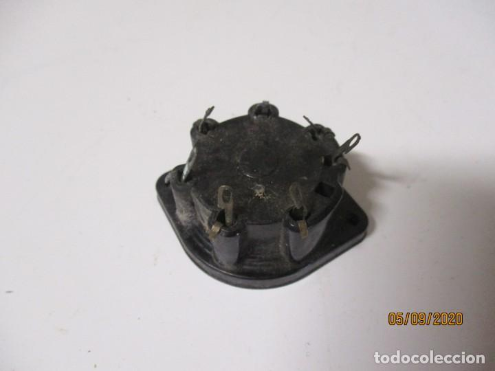 Radios antiguas: Portalamparas soporte zocalo DE BAQUELITA para valvula - Foto 2 - 218545445