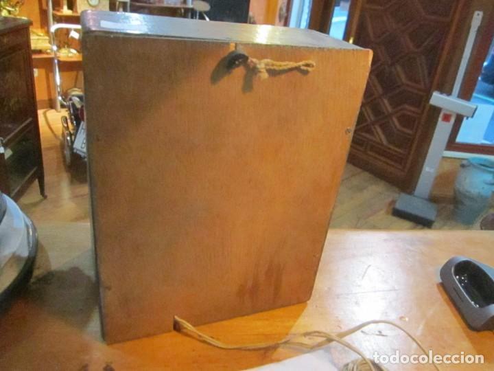 Radios antiguas: Antiguo altavoz madera con rejilla sin probar color gris medida 20 altura 16 ancho Fondo 10.5 cm. - Foto 3 - 221816276