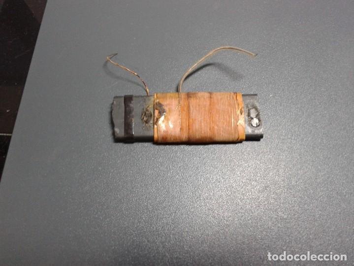 BOBINA CON FERRITA PLANA (Radios, Gramófonos, Grabadoras y Otros - Repuestos y Lámparas a Válvulas)