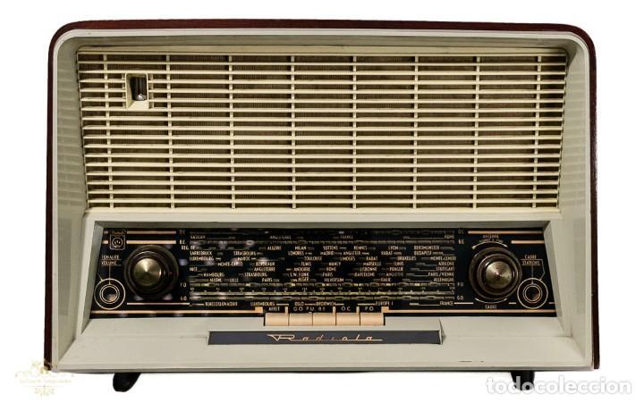 PRECIOSA RADIO ANTIGUA DE LA MARCA RADIOLA,FUNCIONANDO PERFECTAMENTE (Radios, Gramófonos, Grabadoras y Otros - Repuestos y Lámparas a Válvulas)
