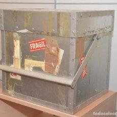 Radios antiguas: FLIGHT CASE - CAJA DE ALUMINIO PARA TRANSPORTE DE MATERIAL DELICADO. Lote 244935605