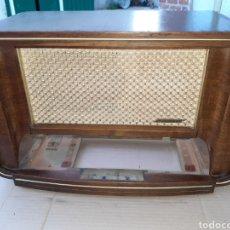 Radio antiche: MUEBLE DE RADIO BLAUPUNKT H2053, CON ALTAVOCES Y TAPAS. Lote 251054210