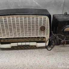Radios antiguas: RADIO DE VALVULAS MARCONI DE BAQUELITA FUNCIONANDO PERFECTAMENTE Y TRASFORMADOR ELEVADOR.. Lote 255450100