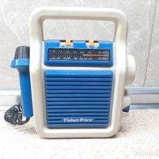 Radios antiguas: RADIO KARAOKE FISHER PRICE AÑOS 80. RADIO CON MICRÓFONO * FUNCIONANDO * JUGUETE INFANTIL.. Lote 255450755