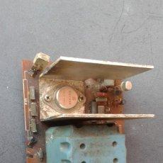 Radios antiguas: ANTIGUO CIRCUITO IMPRESO CON RADIADOR Y COMPONENTES. Lote 269198333