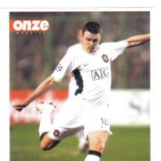 Coleccionismo deportivo: FICHA REVISTA ONZE DE CARRICK CON EL MANCHESTER UNITED - GOLY. Lote 23737775