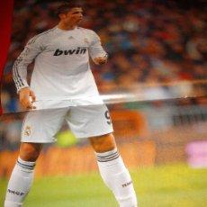 Coleccionismo deportivo: REAL MADRID: POSTER RONALDO 32 X 48. Lote 295385278