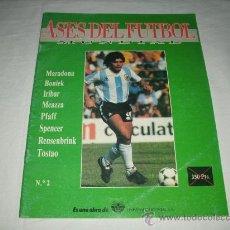 Coleccionismo deportivo: REVISTA ASES DEL FUTBOL MUNDIAL 2 MARADONA BONIEK IRIBAR MEAZZA PFAFF SPENCER RESENBRINK TOSTAO. Lote 30991513