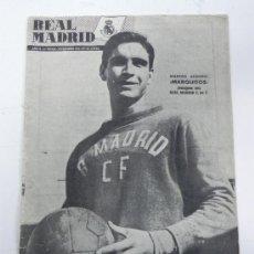 Coleccionismo deportivo: ANTIGUA REVISTA DEL REAL MADRID - NOVIEMBRE 1954 - Nº 52 - MIDE 31 X 21,5 CMS - DEPORTE - 32 PAG. AP. Lote 31411230
