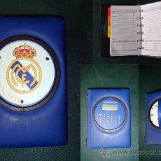 Coleccionismo deportivo: PEQUEÑA AGENDA DE COLECCIÓN DE EL REAL MADRID AÑO 2001 CON CALCULADORA. Lote 36599457