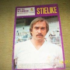 Coleccionismo deportivo: REVISTA REAL MADRID PUBLICACION MENSUAL Nº 328 1977. STIELIKE. JUANITO.. Lote 45132987