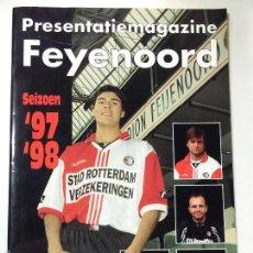 Coleccionismo deportivo: FEYENOORD REVISTA MAGAZINE PRESENTACION TEMPORADA 97-98, INCLUYE POSTER.. Lote 55318341