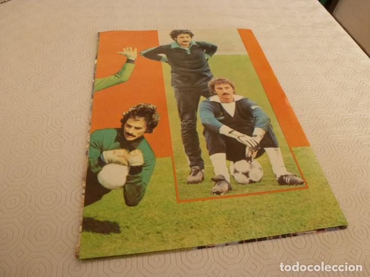 Coleccionismo deportivo: 10 RECORTES PRENSA MIGUEL ANGEL(REAL MADRID)-LOTE 2-VER FOTOS. - Foto 6 - 72115291
