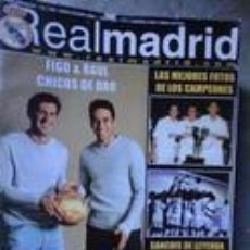 Coleccionismo deportivo: REVISTA REAL MADRID Nº 136 - JULIO AGOSTO 2001 - POSTER CAMPEONES . Lote 92924580