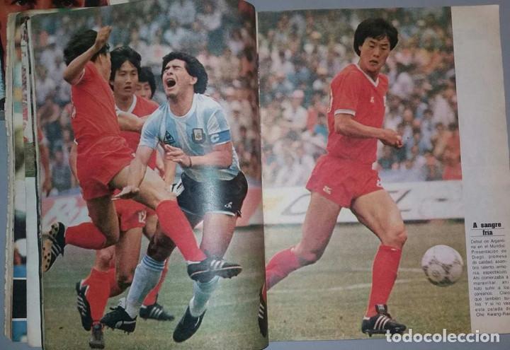 Coleccionismo deportivo: LAS 100 MEJORES FOTOS MUNDIAL MEXICO 1986 MARADONA El Grafico ARGENTINA - Foto 2 - 156467842