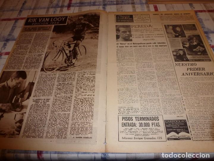 Coleccionismo deportivo: DICEN(4-2-66)CARRASCO(BOXEO)MAURI(SABADELL)MANCHESTER UTD.ANTES ACCIDENTE AEREO,ARGENTINA FUTBOL - Foto 2 - 104896755