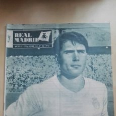 Coleccionismo deportivo: REVISTA OFICIAL REAL MADRID, NOVIEMBRE 1963, N°162, PORTADA FERNANDO RODRÍGUEZ SERENA. Lote 114887342