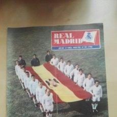 Coleccionismo deportivo: REVISTA OFICIAL REAL MADRID, ENERO 1962, N°140, PORTADA FELIZ 1962. Lote 114983168