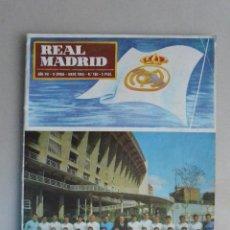 Coleccionismo deportivo: REVISTA REAL MADRID NÚMERO 180 MAYO 65. DOBLE PORTADA CAMPEONES EN FUTBOL Y BALONCESTO. Lote 121110999