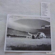 Coleccionismo deportivo: RECORTES PRENSA PAPEL SATINADO-MIGUEL ANGEL(REAL MADRID) EN EL NOU CAMP.. Lote 123377123