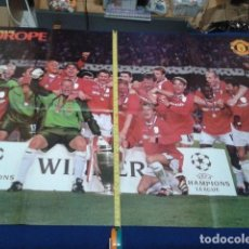 Coleccionismo deportivo: POSTER GRADE DOBLE MANCHESTER UNITED ( KINGS EUROPE )VER MEDIDAS OFFICIAL MANCHESTER UNITED . Lote 135739087