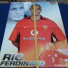 Coleccionismo deportivo: POSTER MANCHESTER UNITED ( RIO FERDINAND ) OFFICIAL MAGAZINE GLORY GLORY . Lote 135769278