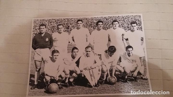Coleccionismo deportivo: REAL MADRID - 100 PERIODICOS, 100 POSTERS Y 100 LAMINAS (1902 - 2002). LOTE UNICO. Y PAGO SEMANAL - Foto 3 - 143842598