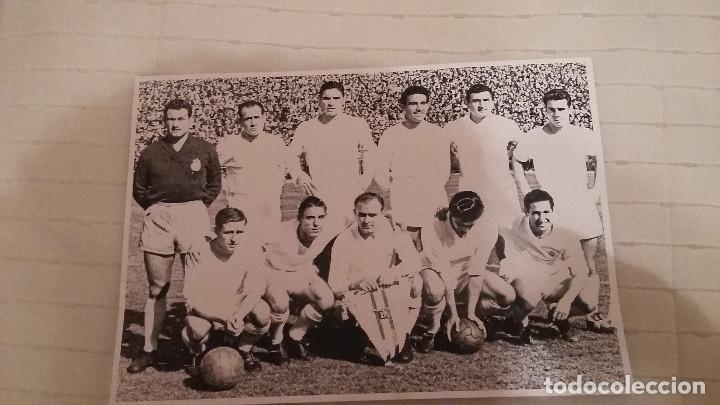 Coleccionismo deportivo: Real Madrid. Colección 100 poster centenario. 1900 - 2002. Seguidos. - Foto 2 - 144292294