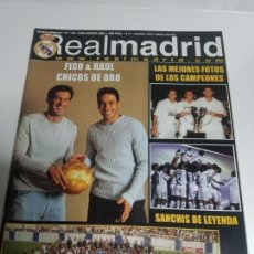 Coleccionismo deportivo: REVISTA OFICIAL REAL MADRID NUMERO 136, JULIO - AGOSTO 2001. Lote 144297050