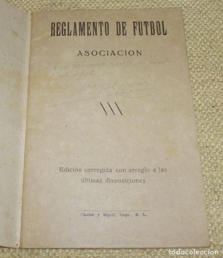 Coleccionismo deportivo: REGLAMENTO DE FUTBOL ASOCIACIÓN.CON DEDICATORIA. - Foto 2 - 162325794
