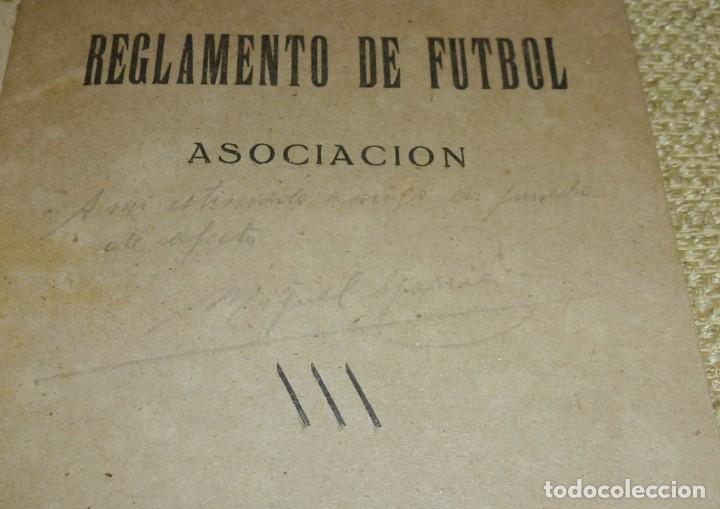 Coleccionismo deportivo: REGLAMENTO DE FUTBOL ASOCIACIÓN.CON DEDICATORIA. - Foto 3 - 162325794