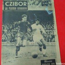 Coleccionismo deportivo: CZIBOR .LA FLECHA HÚNGARA .IDOLOS DEL DEPORTE N°77. (12 X16) 32PP 1958/59. Lote 171325213