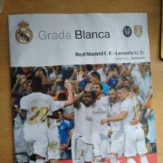 Coleccionismo deportivo: REAL MADRID - LEVANTE 14/09/2019 GRADA BLANCA PROGRAMA. POSTER HAZARD. Lote 177075328