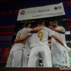 Coleccionismo deportivo: GRADA BLANCA REAL MADRID REAL BÉTIS BALOMPIÉ. 2-11-19. JORNADA 12. PÓSTER BENZEMA. MBE.. Lote 182744781