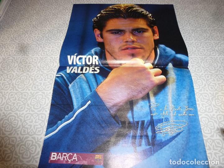 Coleccionismo deportivo: (LLL)F.C.BARCELONA Nº: 8(5-2004) POSTER VICTOR VALDÉS,ALDECOA,GONZALVO III - Foto 2 - 183647745