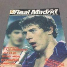 Coleccionismo deportivo: REVISTA REAL MADRID UEFA ANDERLRCHT POSTER SANTILLANA. Lote 195012715