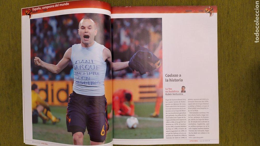 Coleccionismo deportivo: REVISTA ESPECIAL LA VOZ DE GALICIA. ESPAÑA CAMPEONA DEL MUNDO 2010. NUEVA 122 PÁGINAS - Foto 2 - 197775707