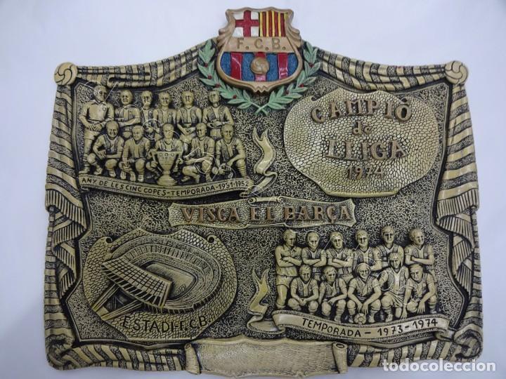 Coleccionismo deportivo: Cartel relieve FC BARCELONA. Campió lliga 1974. 27 x 20 ctms. KUBALA-CRUYFF-SOTIL.... - Foto 2 - 212691338