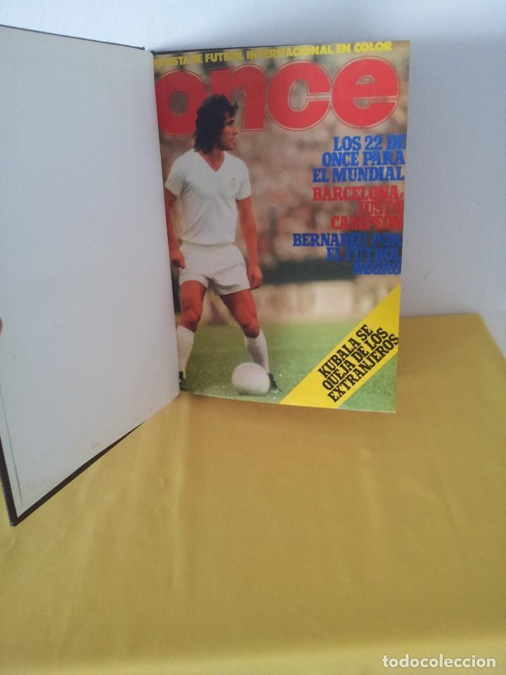 TOMO ENCUADERNADO - REVISTAS DE FUTBOL - VARIOS (ONCE, ÍDOLOS, DEPORTES EN ACCIÓN, AS EXTRA Y FUTGOL (Coleccionismo Deportivo - Revistas y Periódicos - otros Fútbol)