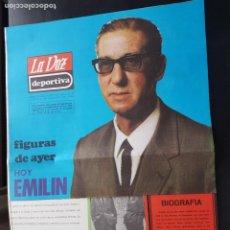 Coleccionismo deportivo: EMILÍN FIGURAS DEL AYER LA VOZ DEPORTIVA / ASTURIAS ÁLBUM JUGADORES UNO A UNO NO CROMOS FÚTBOL 1968. Lote 221486721