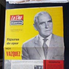 Coleccionismo deportivo: VÁZQUEZ FIGURAS DEL AYER LA VOZ DEPORTIVA / ASTURIAS ÁLBUM JUGADORES UNO A UNO NO CROMOS FÚTBOL 1968. Lote 221488935