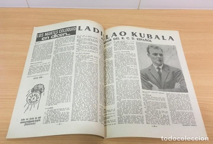 Coleccionismo deportivo: REVISTA DICEN AÑO XI Nº 555 - 20 SEPTIEMBRE 1963 - PEREDA DEL CF BARCELONA Y ENTREVISTA A KUBALA - Foto 4 - 222115357