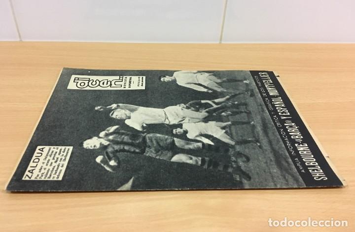 Coleccionismo deportivo: REVISTA DICEN AÑO XI Nº 556 - 27 SEPTIEMBRE 1963 - CF BARCELONA VS. SHELBORNE - Foto 2 - 222116090