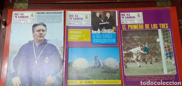 Coleccionismo deportivo: Lote antiguas revistas oficiales Real Madrid - Foto 6 - 222603503