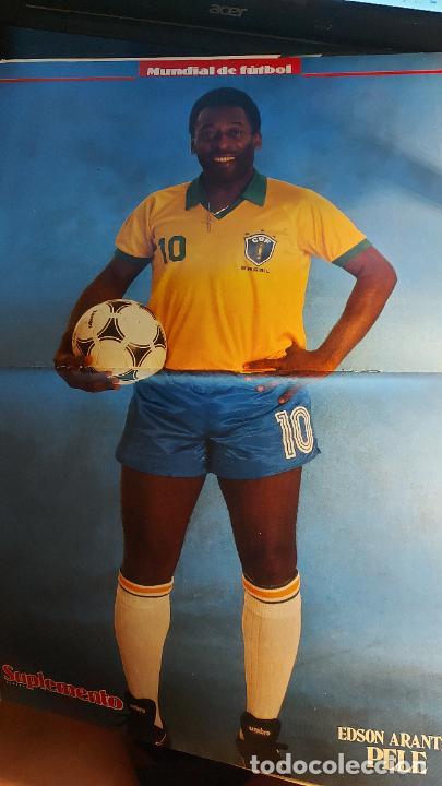Coleccionismo deportivo: REVISTA DE FULBOL HISTORIAL DEL MUNDIAL 1930-1990 CAMPEONES DE LOS 60 BRASIL E INGLATERRA - Foto 2 - 246793930