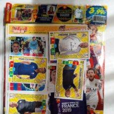 Coleccionismo deportivo: REVISTA JUGON 148 + 12 CROMOS MERCADO INVIERNO + 4 NUEVO PLUS ENTRENADOR + 1 EURO WOMEN`S PANINI. Lote 254750395