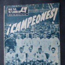 Coleccionismo deportivo: FUTBOL, 21 REVISTAS VARIAS - AÑOS 1950 A 1980 - VER FOTOS ADICIONALES. Lote 263745705