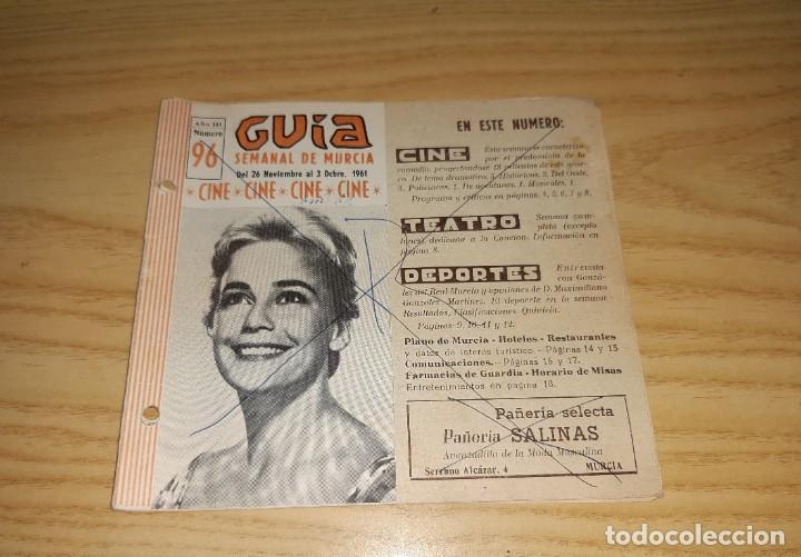 Coleccionismo deportivo: Papel antiguo. Guía semanal de Murcia, 26 Noviembre 1961. Con foto del jugador del Murcia González - Foto 2 - 265771019