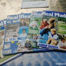 Coleccionismo deportivo: 5 REVISTA REAL MADRID OFICIAL AÑO 1994-98 Nº 61-64-80-93-100 + CATALOGO PARA EL MADRIDISTA 1994-95. Lote 266454223